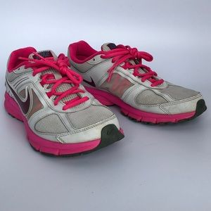 NIKE Women's Air Relentless 3 Running, size 7